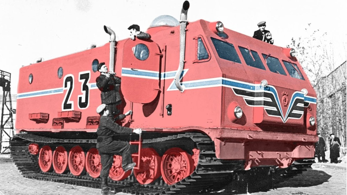 Short documentary about Kharkovchanka, huge Antarctic off-road vehicles made by the Soviets