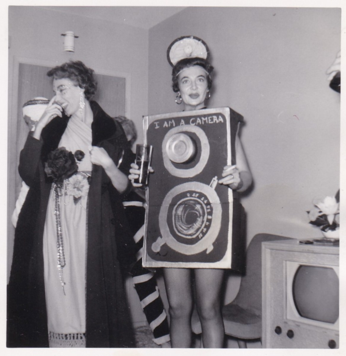 Vintage snapshots of weird Halloween costumes | Boing Boing