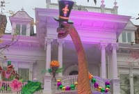 Brontosaurus wearing a top hat in new orleans