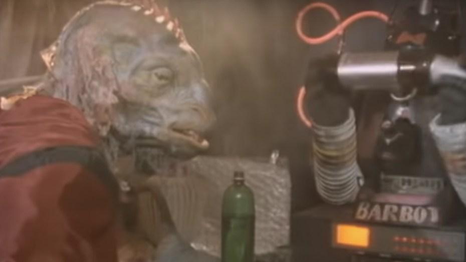 Aliens in a bar