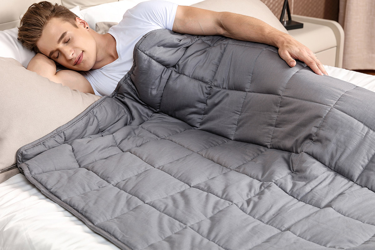 This weighted blanket can stamp out your sleep troubles, and it's under $50   Boing Boing