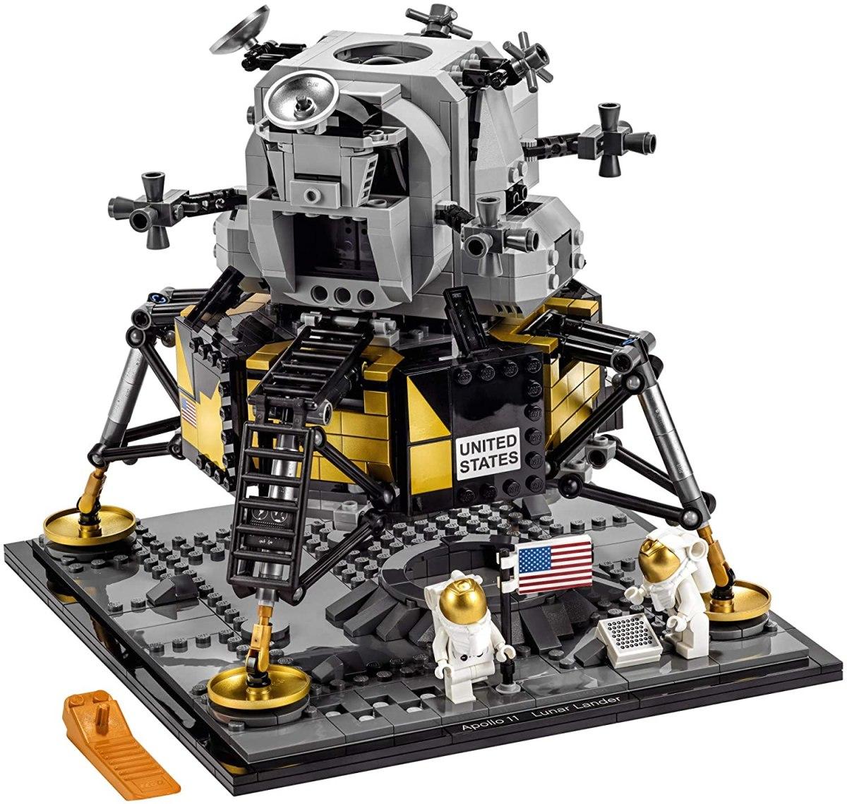 Wonderful LEGO NASA Apollo 11 Lunar Lander | Boing Boing