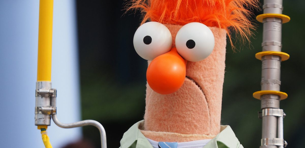 """Island In the Sun"" performed by the Muppets' Beaker 