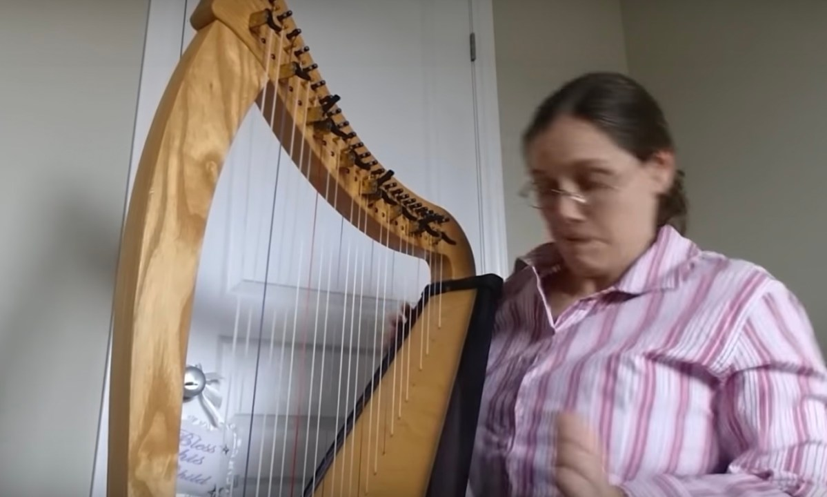 The sound a harp makes when it breaks | Boing Boing