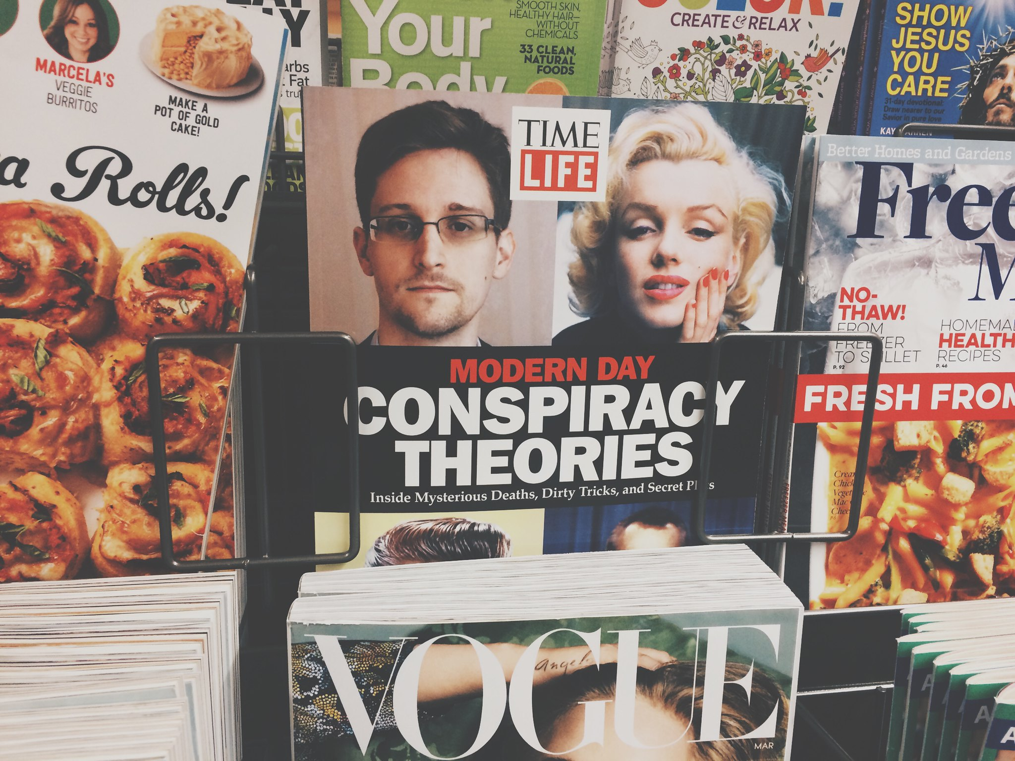 """How conspiracy theories challenge Snopes' mission to find the """"truth"""""""