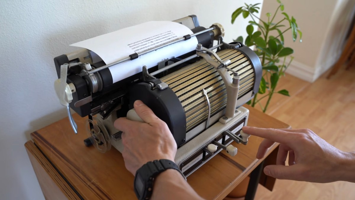 Typing on this vintage Japanese typewriter looks like a lot of work | Boing Boing