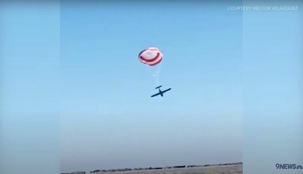 Watch small plane parachute to safety near Denver after midair crash with second plane | Boing Boing