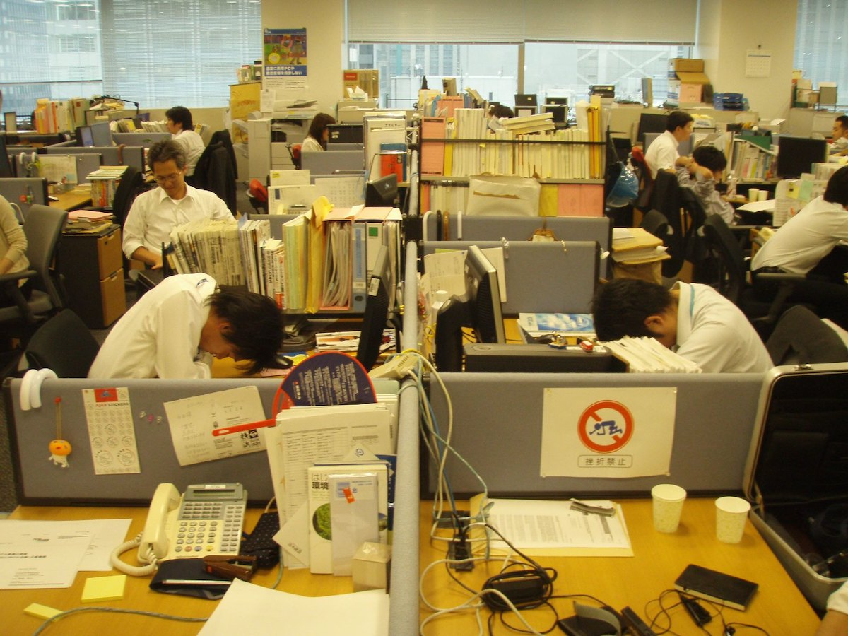 Working long hours can lead to death, according to the WHO