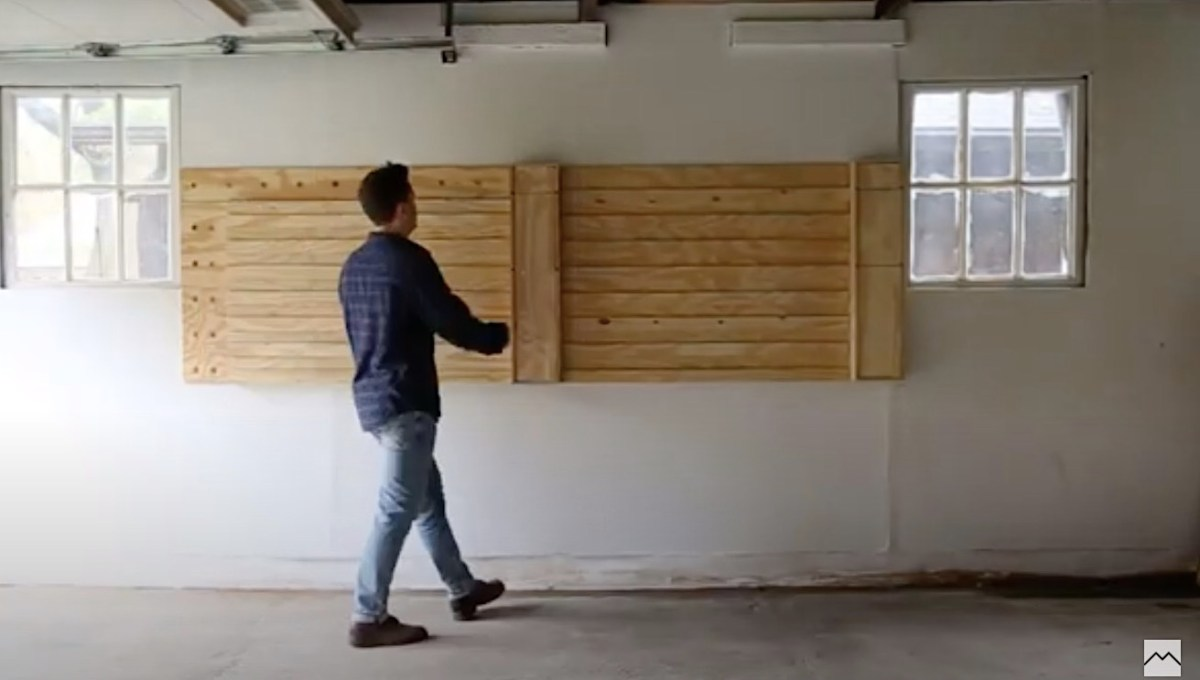 Watch how these simple planks transform into an incredible workspace within minutes | Boing Boing