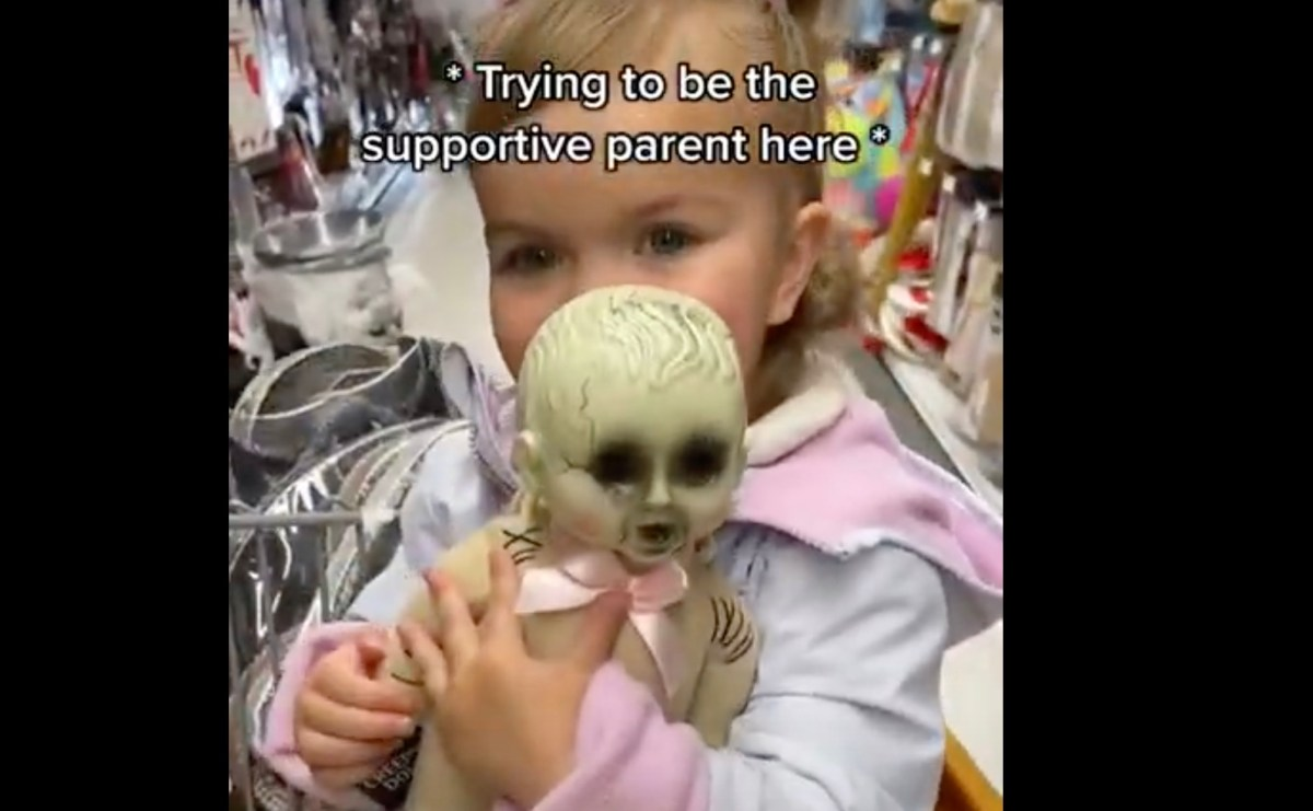 Toddler loves her creepy undead baby doll | Boing Boing