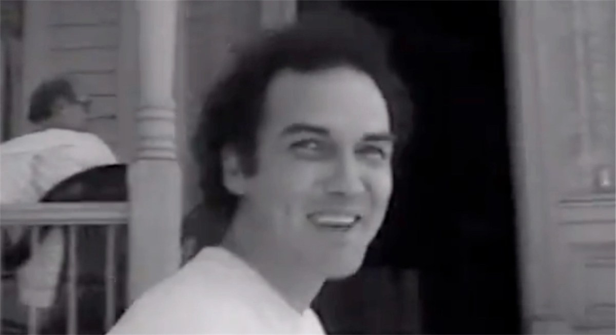 Watch Jim Carrey prank Norm MacDonald at the real house used in Hitchcock's Psycho   Boing Boing
