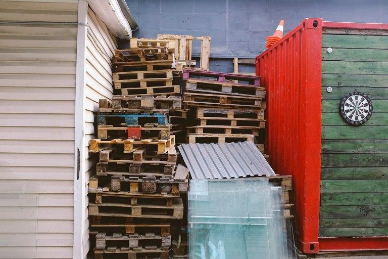 recycler vos palettes en meubles ! Où les trouver.