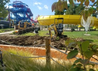 Roaring Springs ride construction