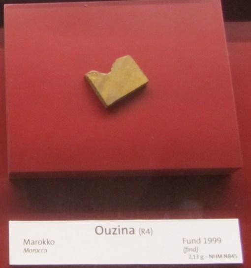 Romurotit Ouzina
