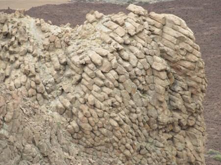 Šesterokotna lava