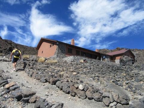 Refugio de Altavista (3270 m)