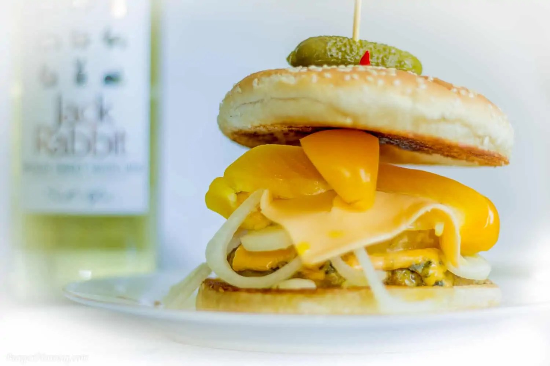 Yellow Burger Curcuma Pineapple Burgermaniaq.com 6 - Fotografia produktowa Gdańsk