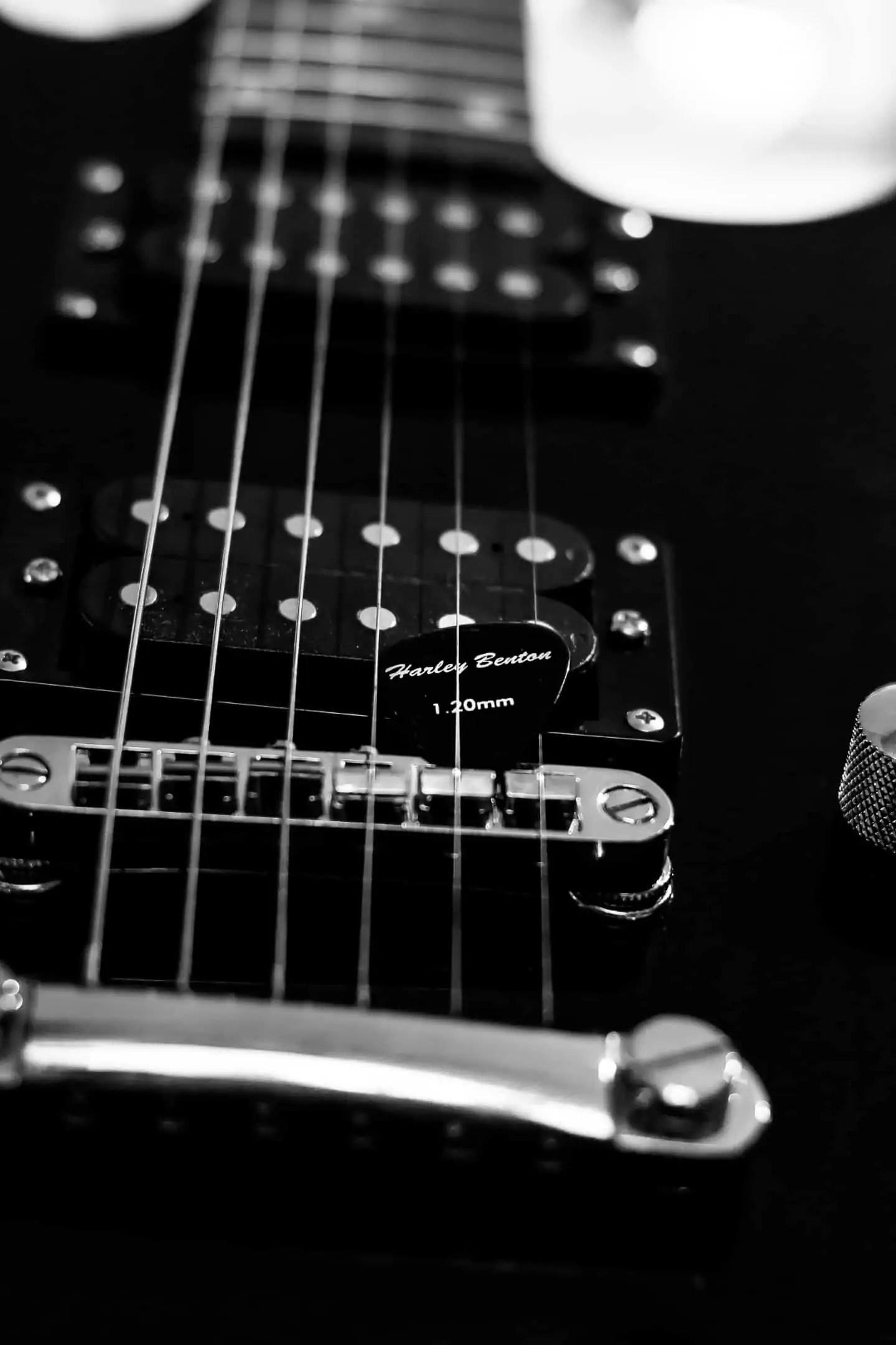Foto wyzwanie fotografia produktowa dzień drugi kostki do gitary 1 3 - Fotografia produktowa Gdańsk