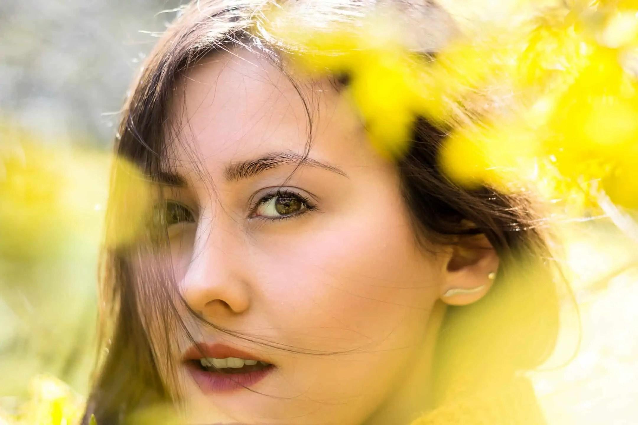 Wiosenny portret moda i kwiaty la Ell 5 - Plenerowa sesja portretowa