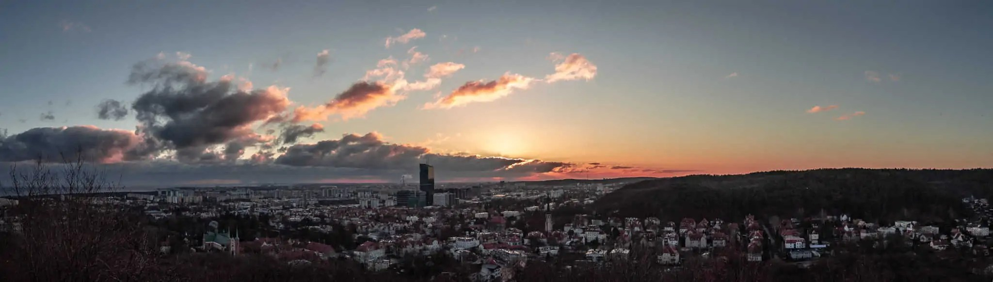 Panorama Gdańsk Oliwa wschód słońca pachołek 3 scaled - Najlepszy prezent dla fotografa jest darmowy. Resztę kupisz do 100 pln