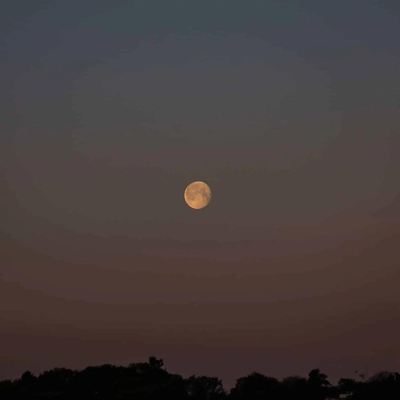Zdjęcia o wschodzie słońca Gdynia Skwer Kościuszki Pomink Żagle 1 - Zasady kompozycji - przewodnik po 20 regułach