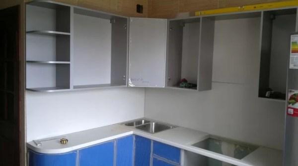 Серо синяя кухня фото установки