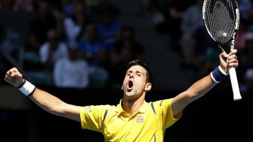 Novak Djokovic vai a cinco sets, comete 100 erros mas derrota Gilles Simon