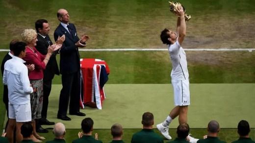 Murray mais perto de Djokovic; Kerber de volta à vice-liderança
