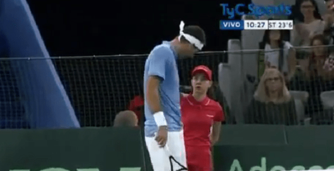 [Vídeo] Del Potro apoia menina atingida por Cilic e é ovacionado