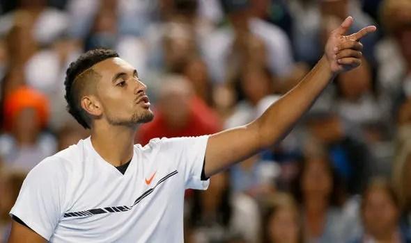 «Se não quer jogar ténis, que se retire»