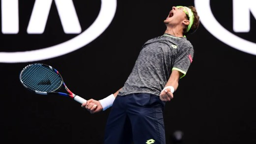Istomin surpreende tudo e todos e derrota Novak Djokovic no Open da Austrália