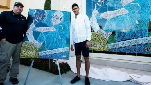 Djokovic enche mais uma parede em Indian Wells