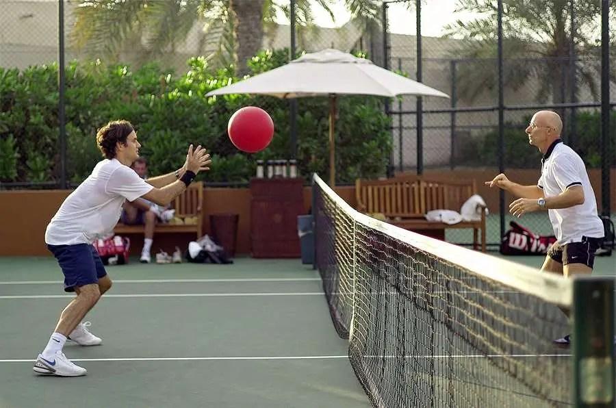Preparador físico de Federer confessa: «Em 17 anos, nunca chegou a um treino a arrastar os pés»