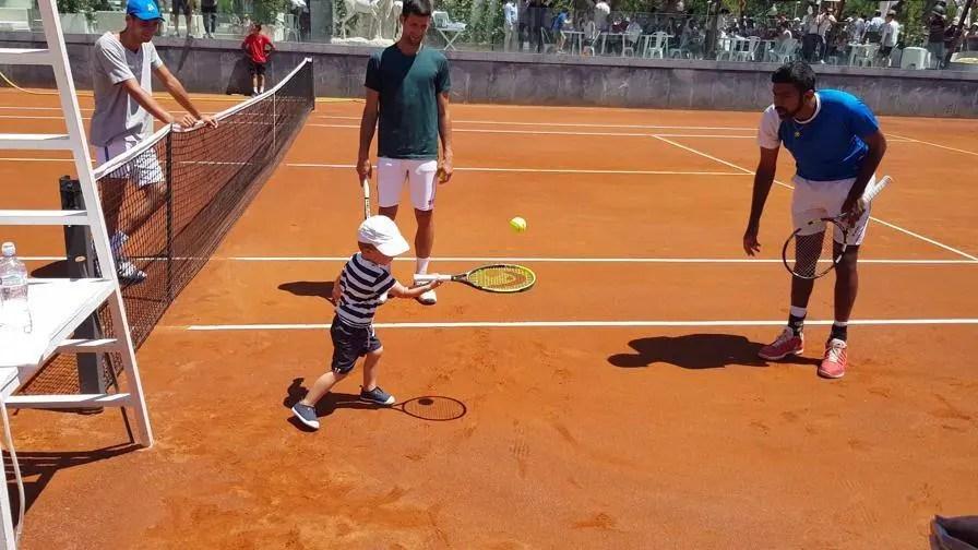 Filho de Djokovic espalha encanto em Roma