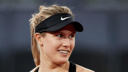 Bouchard arrasa Kerber, que se retirou a um jogo de levar… um pneu