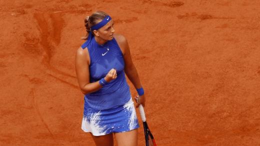 Cinco meses depois do esfaqueamento, Kvitova regressa ao ténis com vitória em Roland Garros
