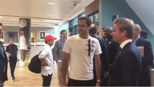 [VÍDEO] Nico Rosberg fez questão de dar os parabéns a Federer