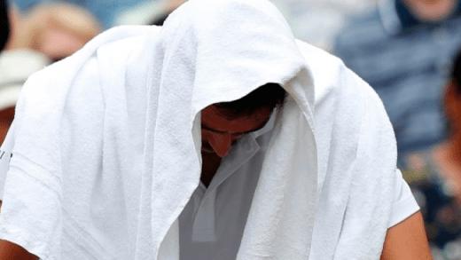 [VÍDEO] Cilic chora compulsivamente a meio da final de Wimbledon