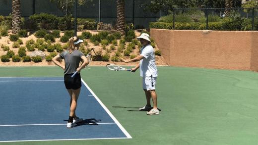 [Fotos e vídeos] Eugenie Bouchard treina… com Andre Agassi