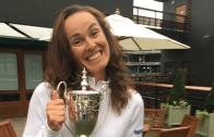 Martina Hingis deixou cair o troféu de pares mistos… em cima de Judy Murray