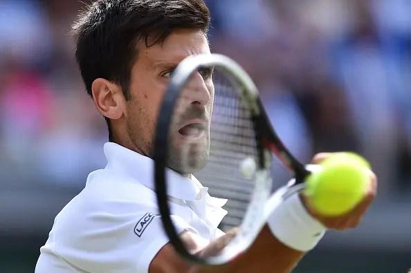 [VÍDEO] Novak Djokovic joga primeiro encontro desde julho (e frente a Thiem), em DIRETO
