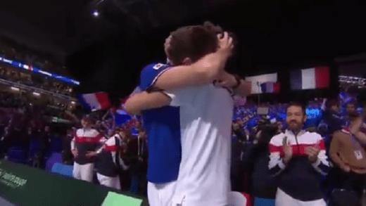 [VÍDEO] Herbert não esqueceu o seu (habitual) parceiro Mahut após vitória na final da Davis