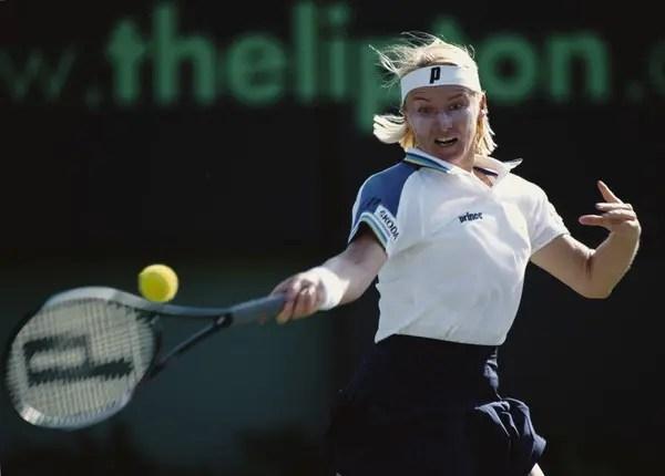 Faleceu Jana Novotna, campeã em Wimbledon — Ténis