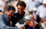 Tio Toni e o convite inesperado em Roland Garros: «Não sabia que lhe ia entregar o troféu»