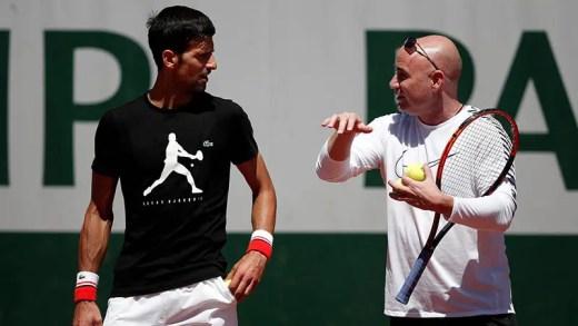 Agassi insiste: «Não aceito dinheiro do Djokovic. Ao ajudá-lo… ajudo o ténis!»