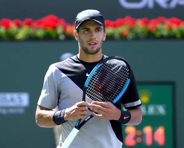 Del Potro vence Federer e tira invencibilidade do tenista suíço