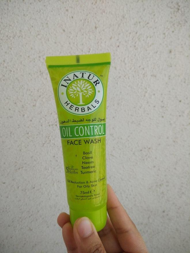 inatur oil control face wash