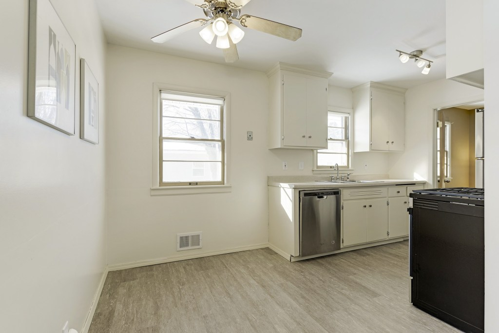 5901-Perry-Ave-N-Crystal (12)