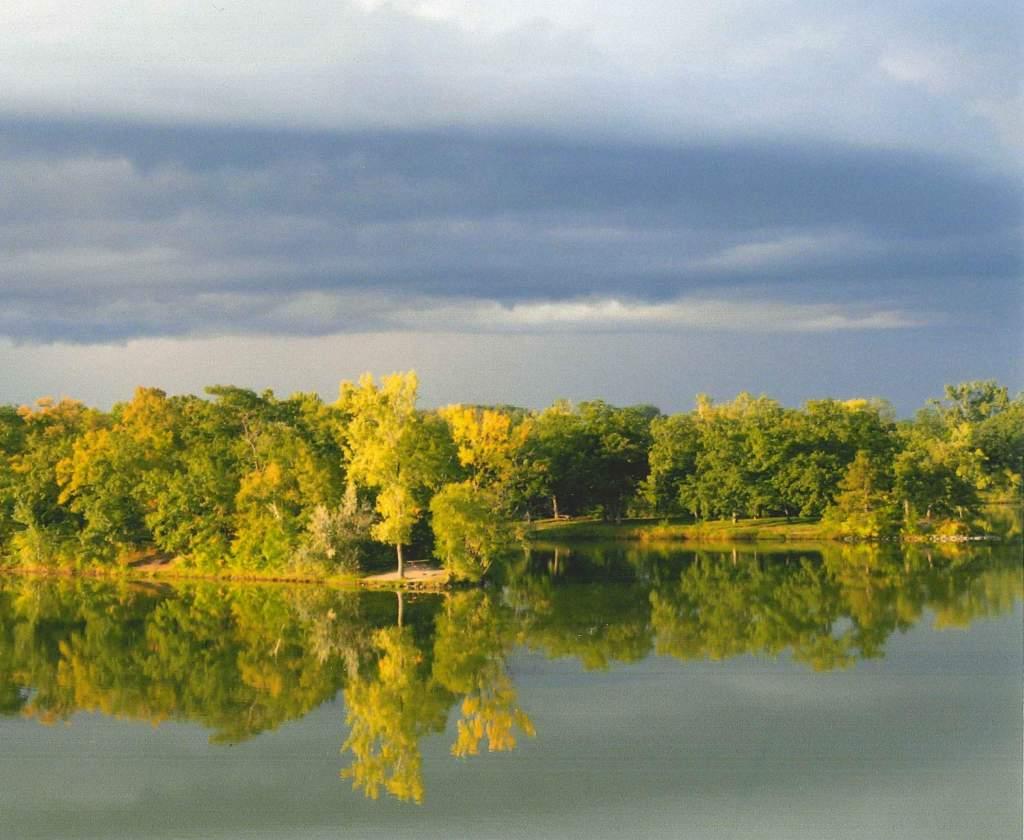 lake pic 1 (Custom)
