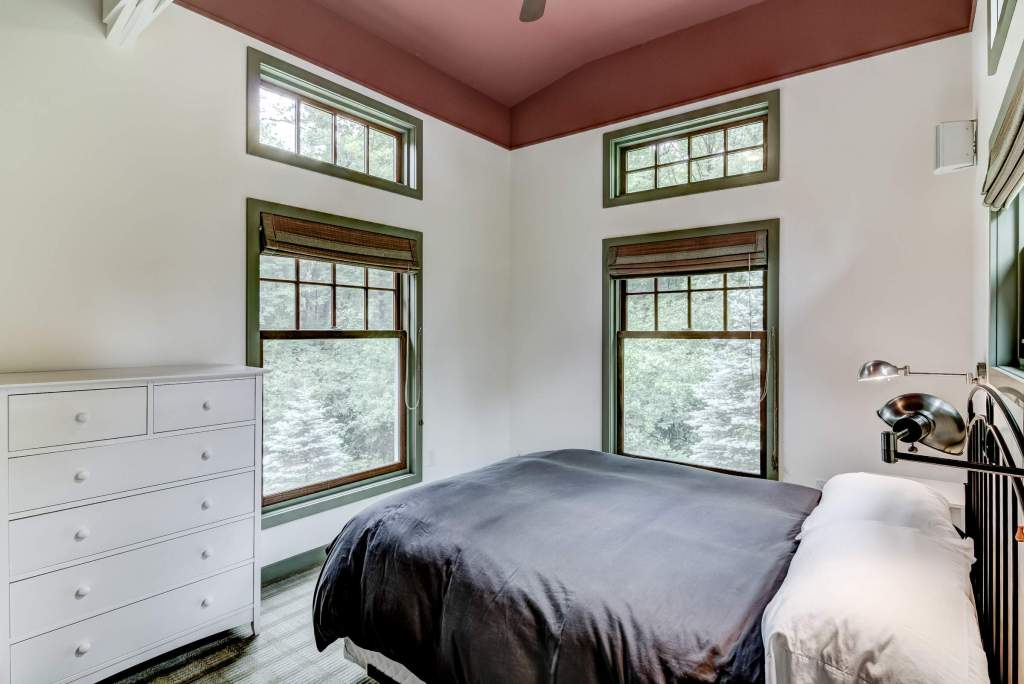 26-10 - Main Level Bedroom - 1-1-e (Custom)
